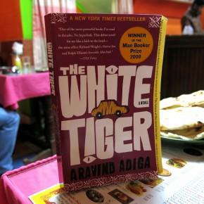 The White Tiger - de Aravind Adiga